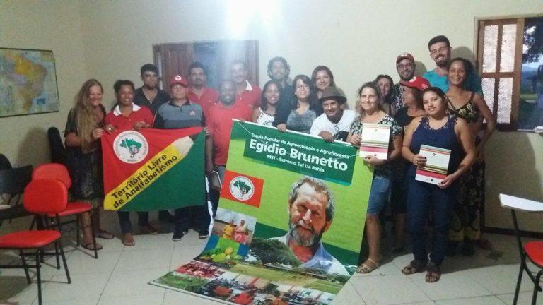 Militantes do MST no RJ visitam Escola Popular Egídio Brunetto da Bahia