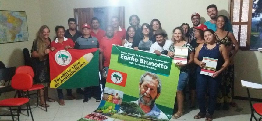 Militantes do MST no RJ visitam Escola Popular Egídio Brunetto da Bahia