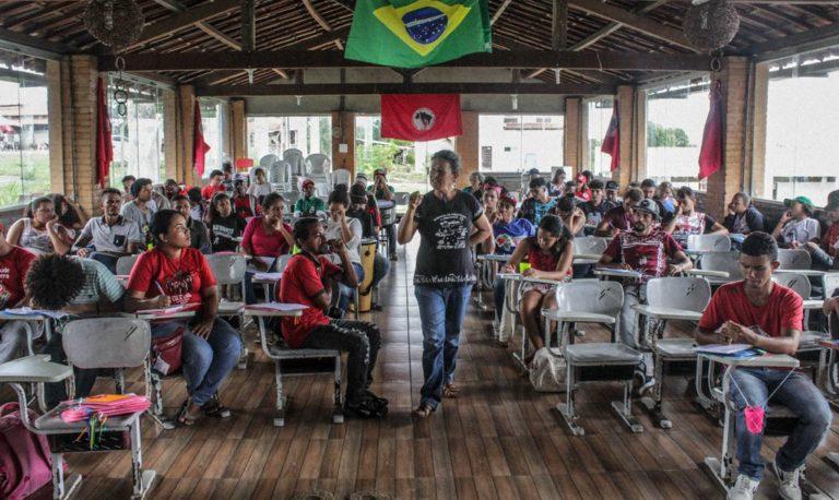 Escola de Artes do MST reúne militantes de todos os estados do Nordeste