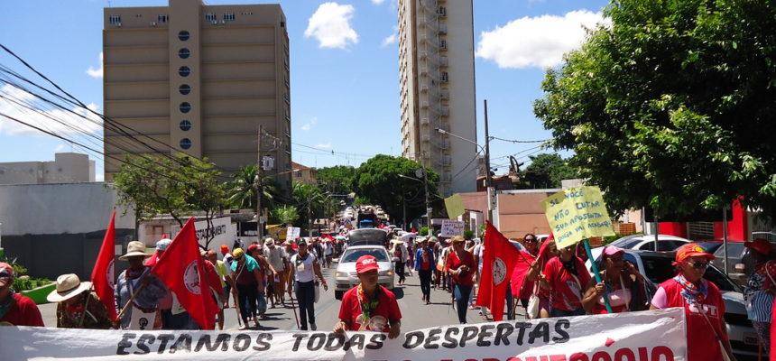 Unidas e despertas, mulheres protagonizam Jornada de Lutas em Cuiabá