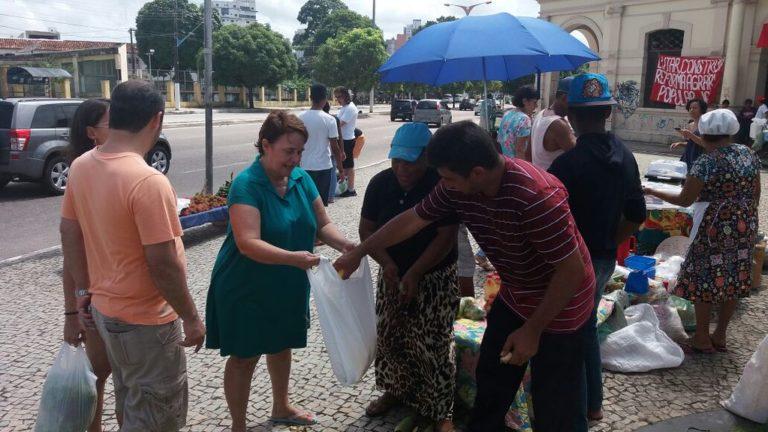 """Feira da Reforma Agrária """"Mamede Gomes"""" é realizada em Belém"""