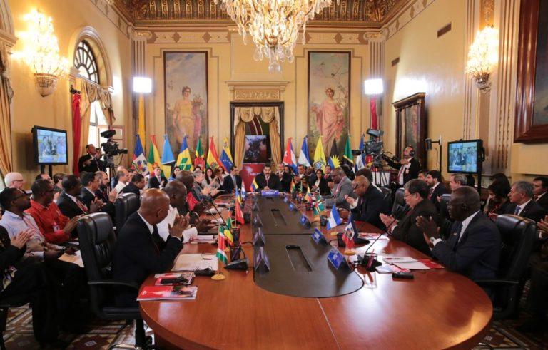 Movimentos sociais participam da Cúpula do ALBA e dão apoio à Venezuela