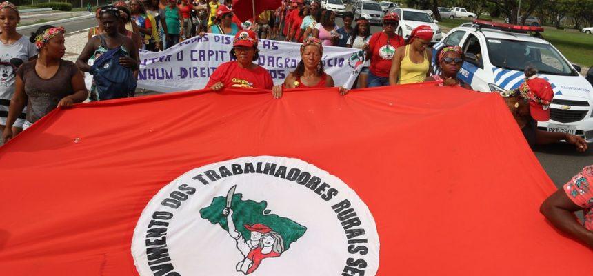 Após dez dias de luta, mulheres Sem Terra desocupam sede do Incra em Salvador
