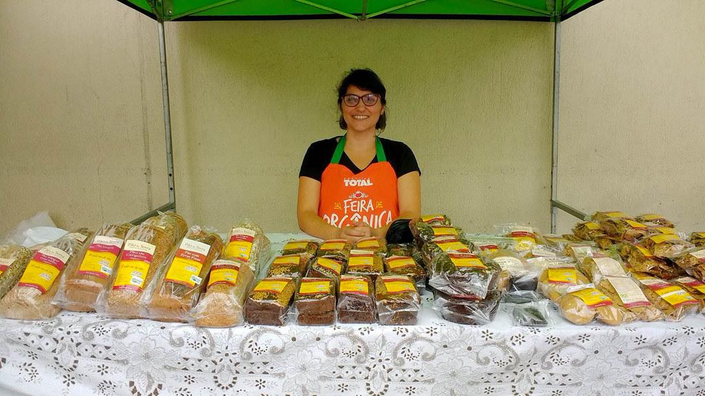 Hoje a cooperativa comercializa seus produtos em várias feiras ecológicas de Porto Alegre. Foto Cooperativa Pão da Terra 3.jpg