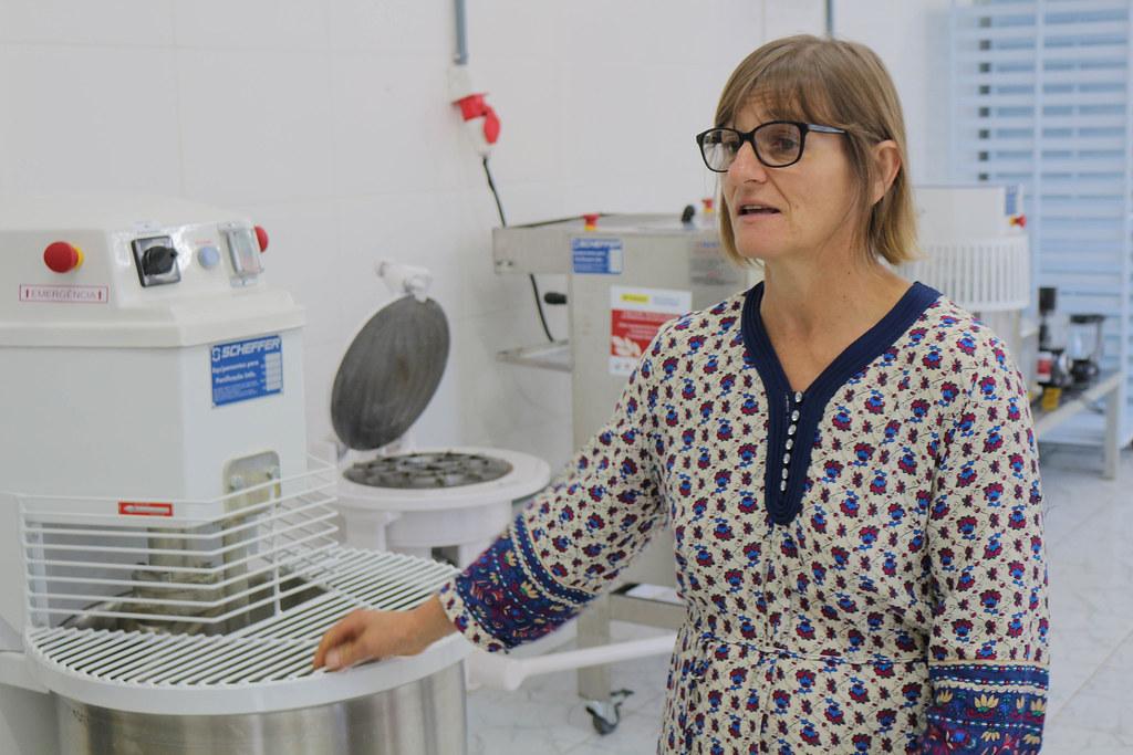 Segundo Maria Inês, com os novos equipamentos, a cooperativa vai ter condições de produzir 1 mil quilos de alimentos por semana.jpg