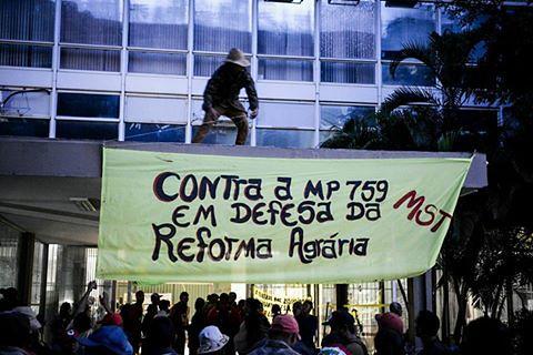 movimentos ocupam Ministério da Fazenda em Brasília