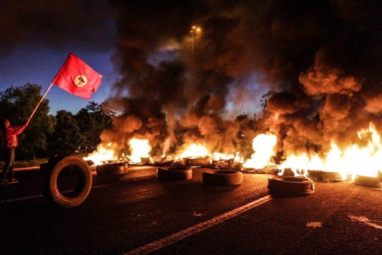 Trabalhadores realizam bloqueios em todo Brasil contra reformas de Temer