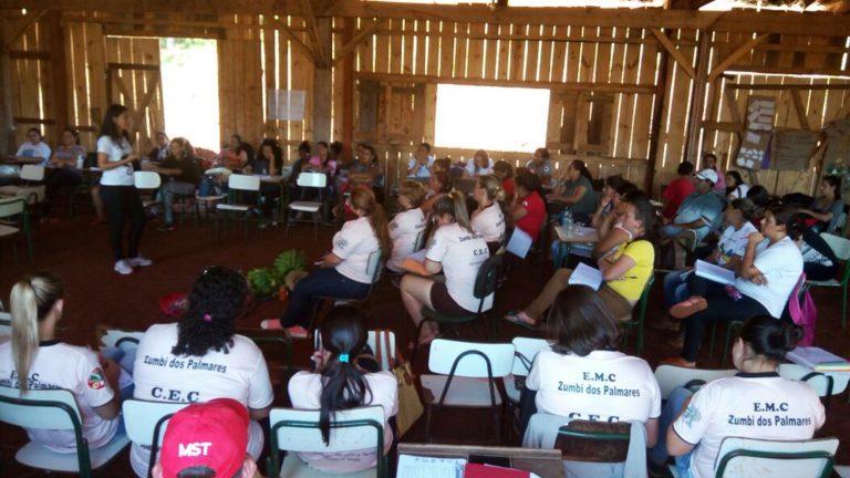 Debate de formação no Paraná discute cooperação e agroecologia