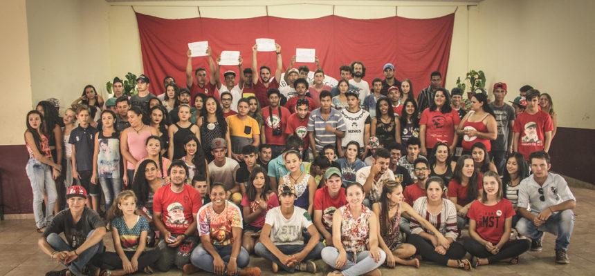 Jovens Sem Terra se formam em curso de Comunicação Popular no Paraná