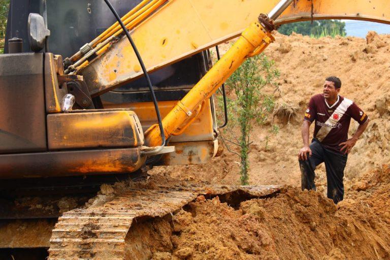Extração ilegal de areia ameaça assentamento Terra Prometida