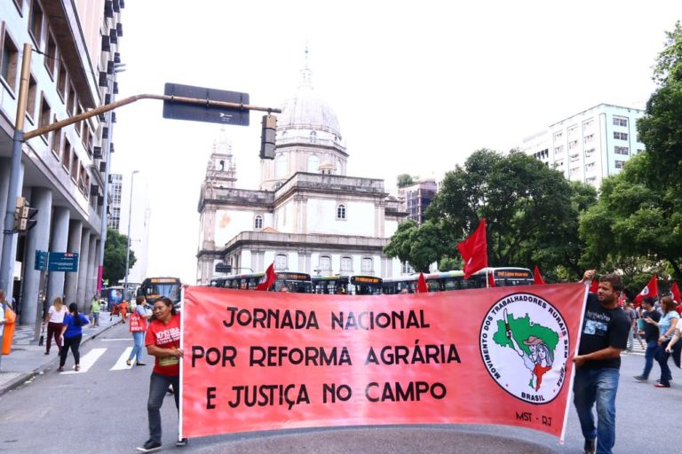 Jornada de Lutas no Rio de Janeiro ocupa sede do Incra no estado