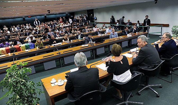 Movimentos e organizações participam da construção do plano de trabalho da CDH da Câmara em Brasília