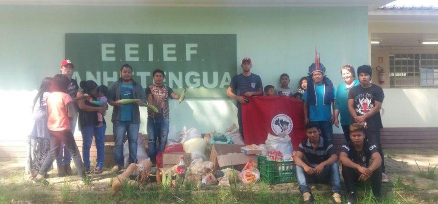 MST encerra mobilizações em Porto Alegre com doação de alimentos para escola indígena