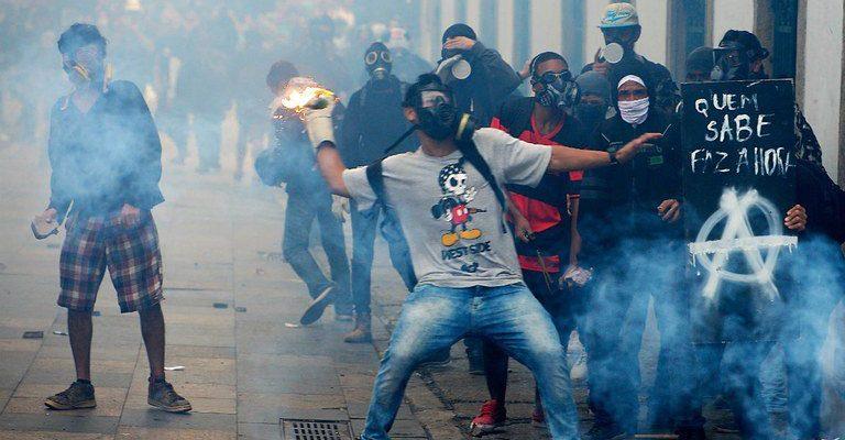 Temer mandou, a imprensa obedeceu: cobertura não fala ou foca na greve