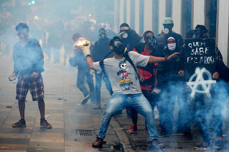 a imprensa obedeceu: cobertura não fala ou foca na greve