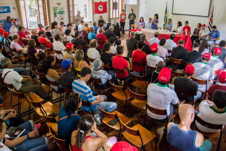 Ato político marca abertura da Feira da Reforma Agrária em São Paulo