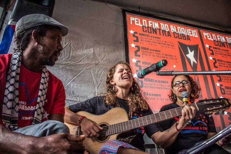 Homenagem a Cuba marca primeiro dia do Espaço Literário na Feira Nacional