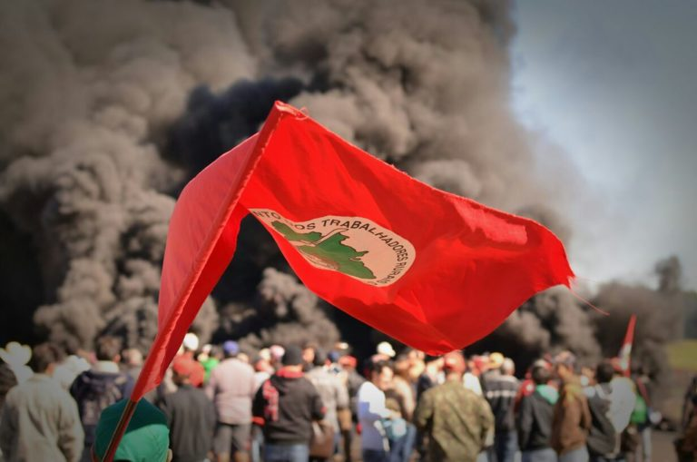 MST no Paraná se soma à greve dos trabalhadores do campo e da cidade