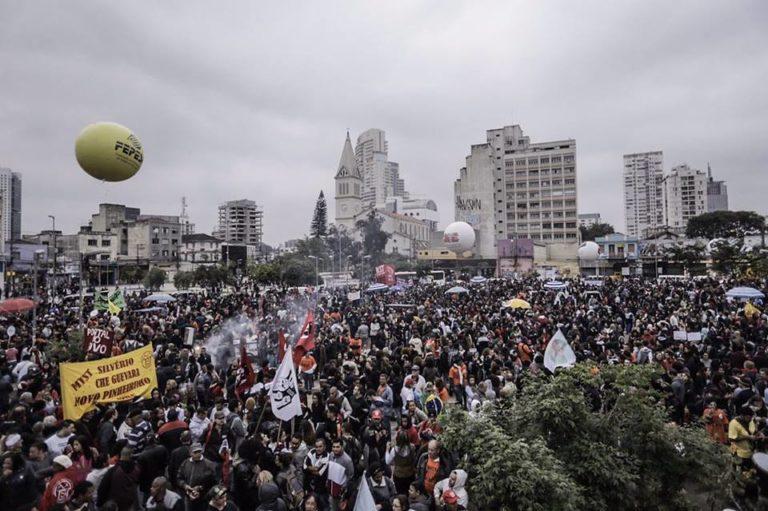 Coletivos internacionais se manifestam em apoio à Greve Geral no Brasil