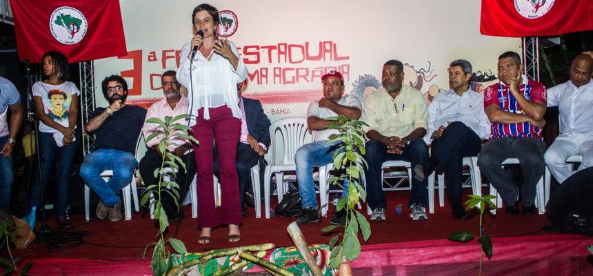 Ato político aponta retomada democrática como ponto central das lutas