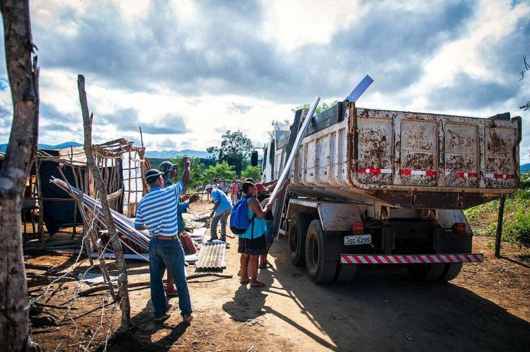 famílias Sem Terra reocupam fazenda em Ribeirão do Largo