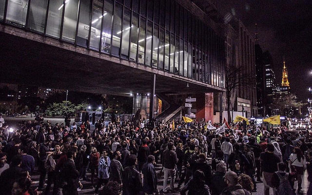 """""""Momento é de ir às ruas e pedir Diretas Já"""": acompanhe agenda de atos"""