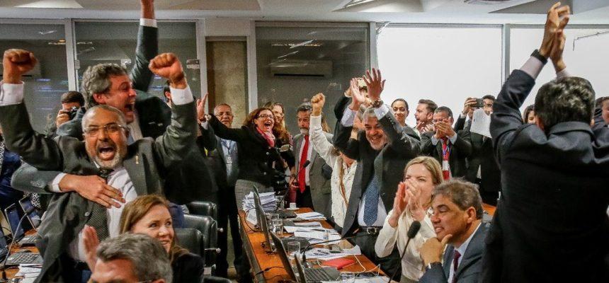 Comissão do Senado rejeita relatório da reforma trabalhista