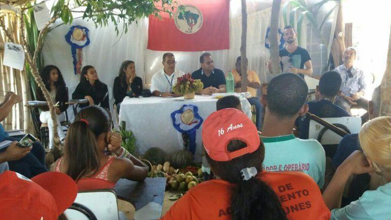 Famílias do Assentamento Roseli Nunes debatem desenvolvimento da produção de alimentos