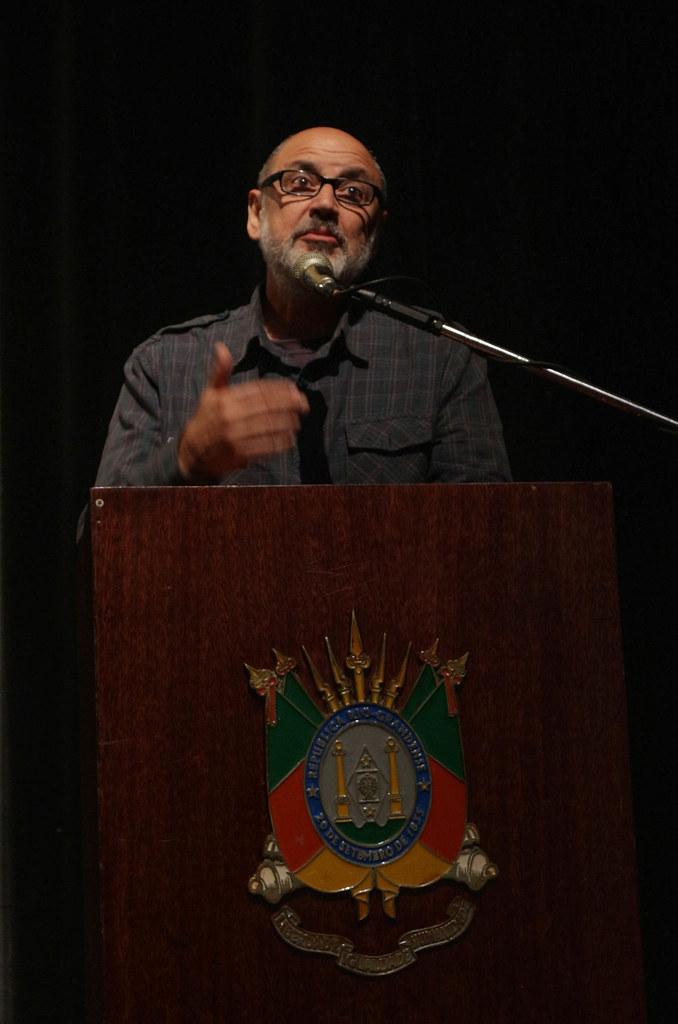 Leonadro Melgarejo, presidente da Agapan, disse que a busca de lucro rápido levou o homem a desconsiderar a solidariedade com outros seres vivos.jpg