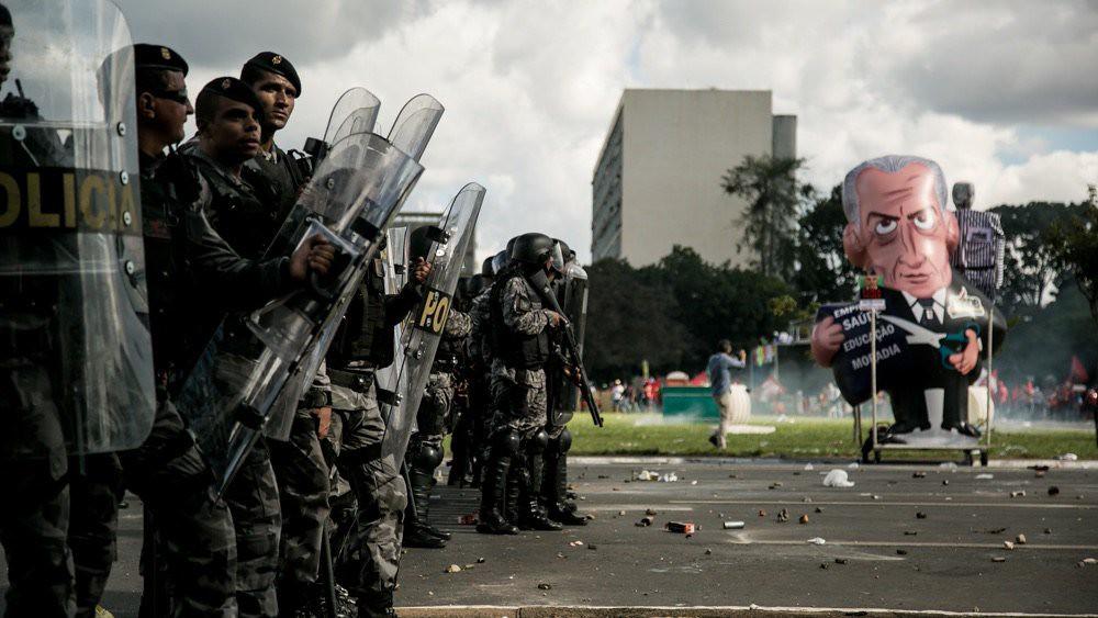 Ação dos agentes de segurança. Foto Ninja.jpg