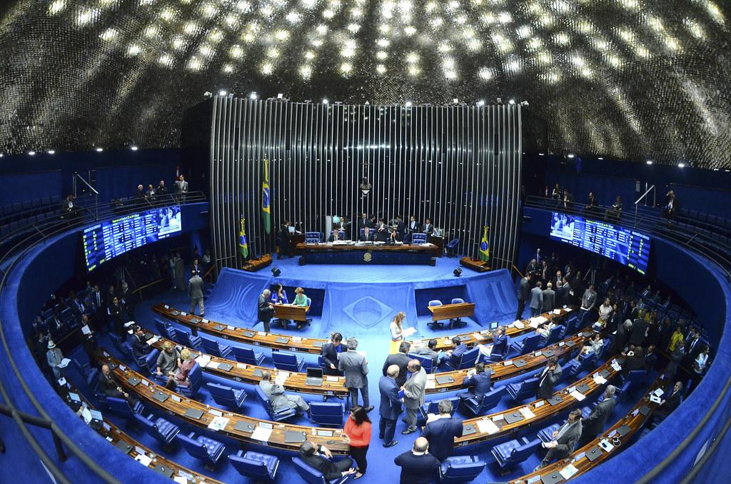 AV_senado-sessao-deliberativa_06162015002.jpg
