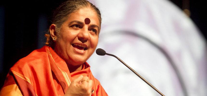 """""""Colocam a humanidade no limite"""". Para Vandana Shiva, Monsanto é culpada de ecocídio"""