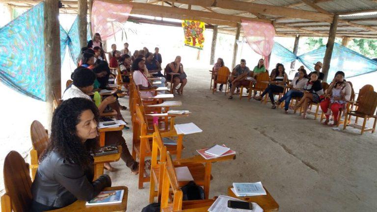 Educadores debatem a educação do campo na formação das famílias Sem Terra