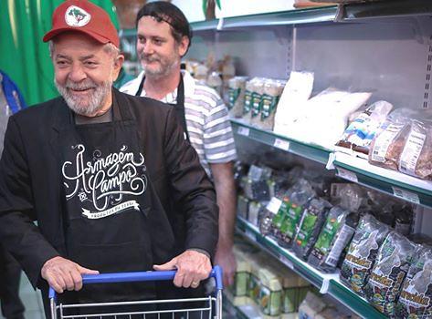 """""""Estou maravilhado"""", diz Lula em visita ao Armazém do Campo, em São Paulo"""