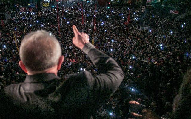 """""""Se o Temer tivesse um mínimo de compromisso com o povo, ele renunciaria"""", diz Lula"""