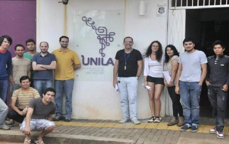 Mobilizações contra extinção de universidade federal  no Paraná crescem em todo país