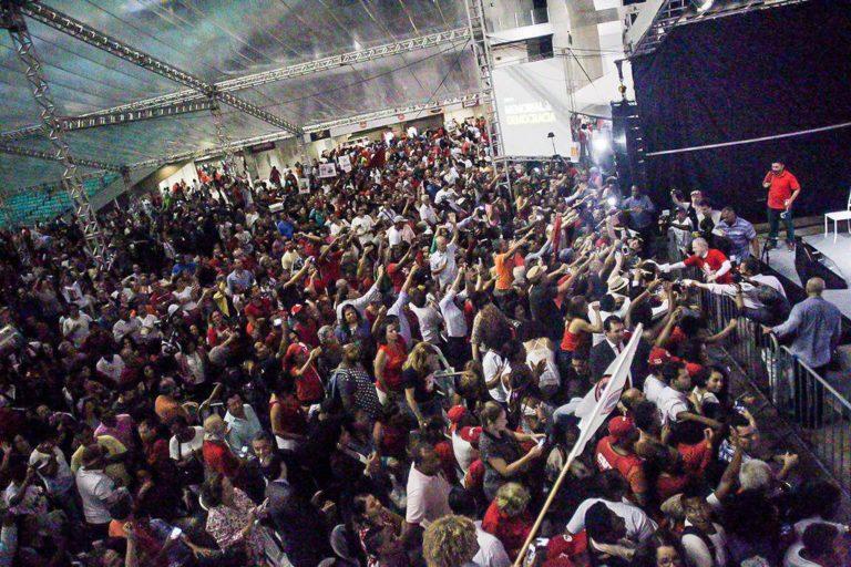 Lula pelo Brasil: caravana inicia e mobiliza milhares na capital baiana