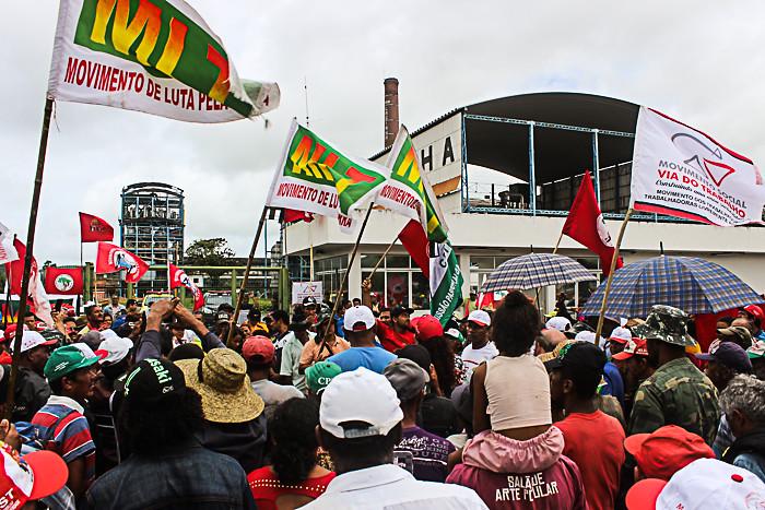 Cerca de mil Sem Terras participam das mobilizações.
