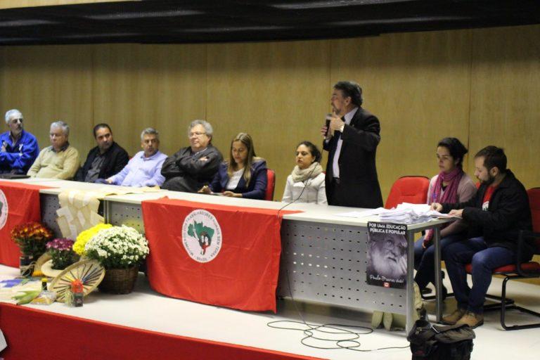 Sem Terra promovem seminário no Palácio das Araucárias para tratar sobre a Reforma Agrária no Paraná