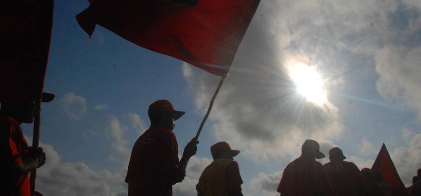 Justiça Federal proíbe Incra e União de adotar medidas que paralisem a Reforma Agrária
