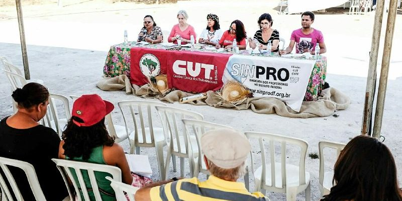 Educação popular é tema de debate em Feira da Reforma Agrária no DF