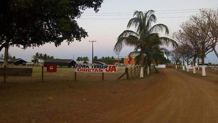 MST ocupa fazenda de Ministro Blairo Maggi