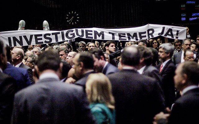É uma vitória enganosa, diz oposição sobre votação da denúncia contra Temer