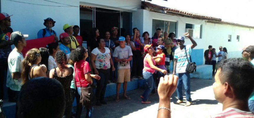 Em Teixeira de Freitas, estudantes ocupam núcleo da Diretoria Regional de Educação