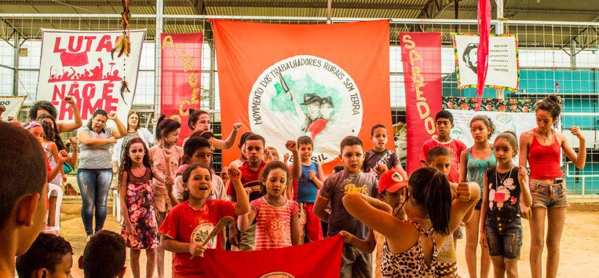 Em Minas Gerais, Sem terrinhas comemoram um ano do Viveiro de Mudas Silvino Gouveia