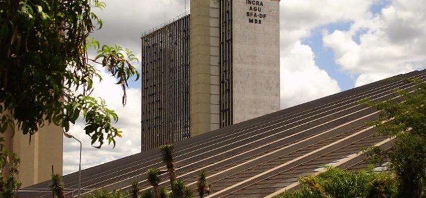 MST repudia desmantelamento do Incra, em nota após prisão de funcionárias