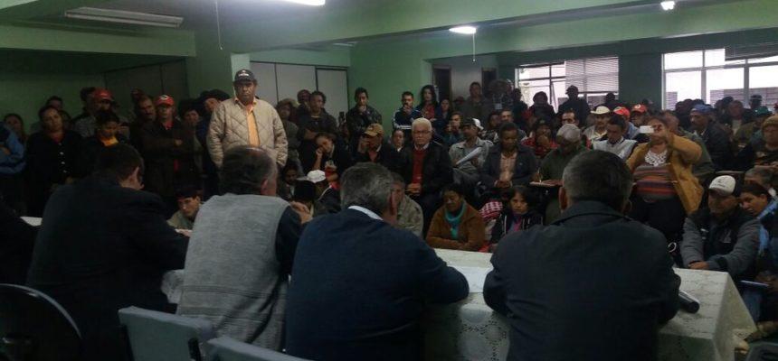 MST chega a capital paranaense em busca de negociação coletiva com  Incra