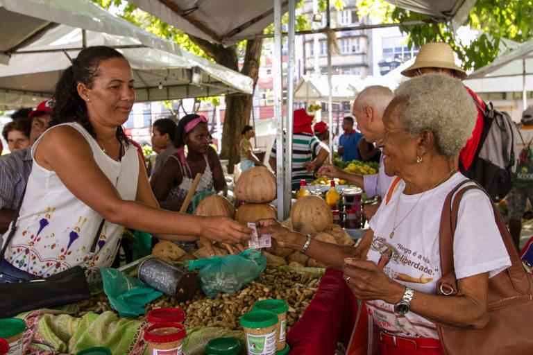 MST leva alimentos saudáveis à 1º Feira da Agricultura Familiar de Itaberaba