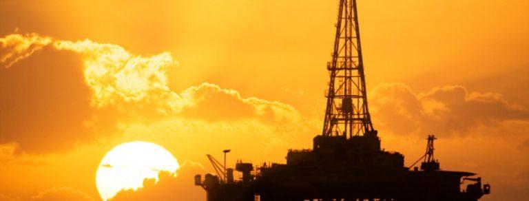 Pelo petróleo para educação: combater os inimigos da Pátria