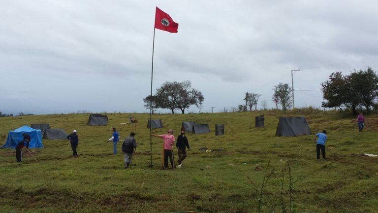 Sem Terra ocupam fazenda do Estado para denunciar privatização de terras públicas